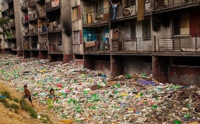 Как выглядит одно из самых больших цыганских гетто в Европе (13 фото)