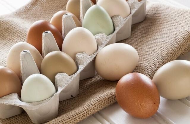 Вопрос на миллион. Какие яйца вкуснее: белые или коричневые? (2 фото)