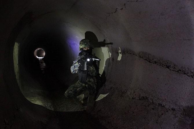 Секретные тоннели скандального мексиканского наркобарона (13 фото)