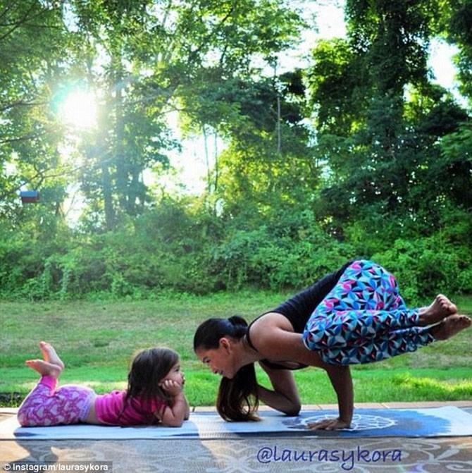 Йога мамы и дочки, которая покорила мир (16 фото)