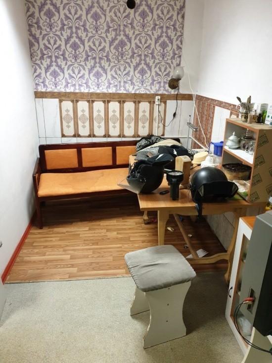 На зоне строго режима была найдена комфортабельная «квартиру» (3 фото)