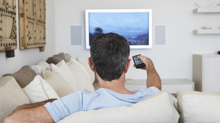 Левада-центр: 53% россиян назвали просмотр ТВ любимым досугом (2 фото)