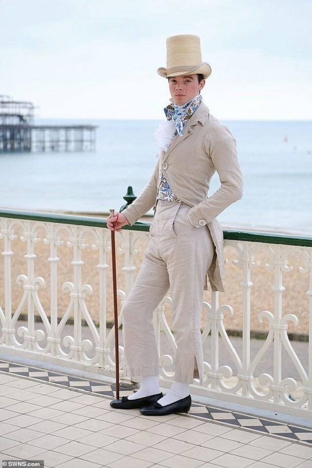 Парень из Англии бросил вызов современной моде (10 фото)