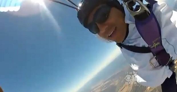 Американец выжил, рухнув на землю с высоты 4 км (4 фото)