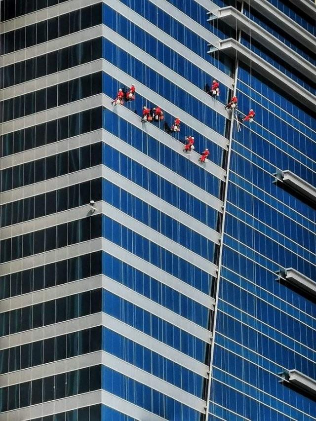 Люди за работой (12 фото)