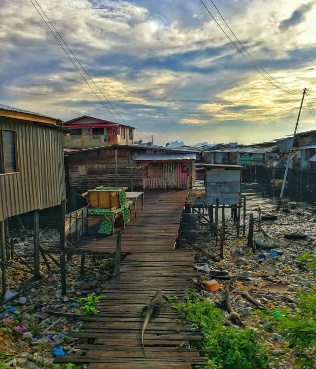 Плавучие деревни в Малайзии (6 фото)