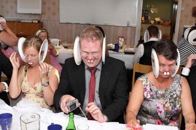 Веселая вечеринка на шведской свадьбе (6 фото)