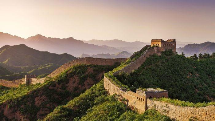 Любопытные факты про величайшие туристические места (14 фото)