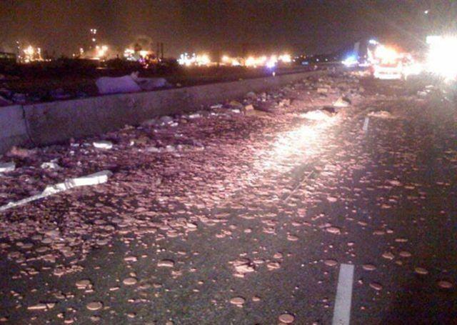 Аварии с грузовиками (19 фото)