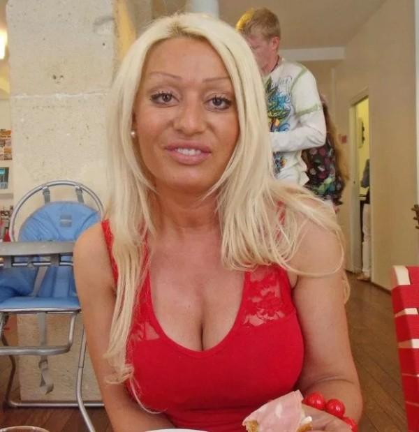 Жительница Нидерландов превратила себя в куклу Барби (8 фото)