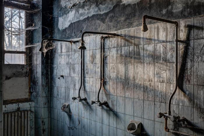 Заброшенные психиатрические лечебницы (19 фото)