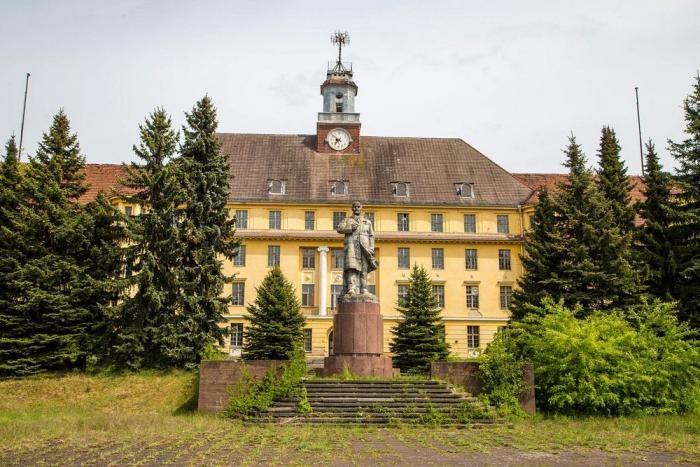 Заброшенный советский город-призрак в Германии (16 фото)