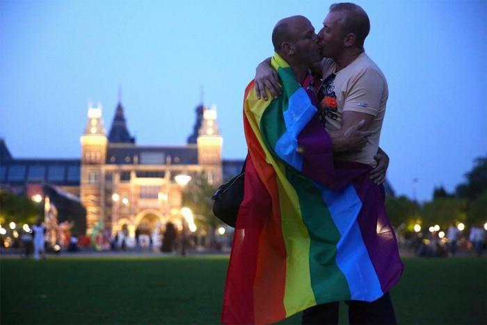 Как один фотограф доказал, что миром правит любовь (24 фото)