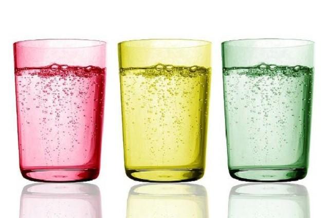 Ученые назвали напиток, который сильно разрушает зубную эмаль (2 фото)