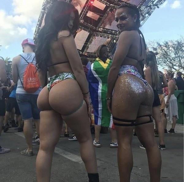 Девушки на музыкальных фестивалях (33 фото)