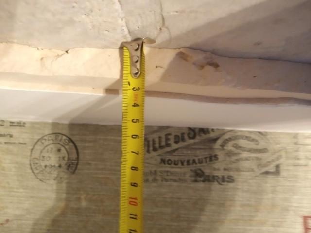 Обрушение потолка в квартире (7 фото)