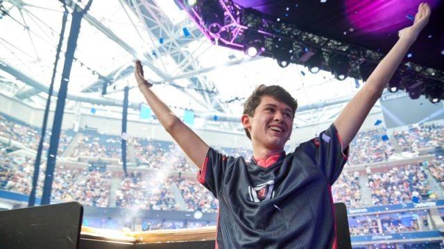 Подросток выиграл 3 миллиона долларов на чемпионате мира (2 фото)