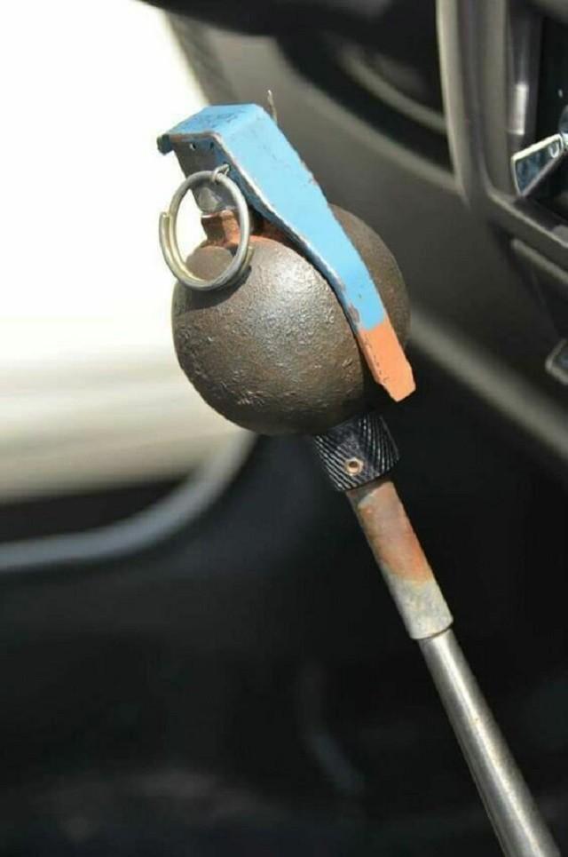 Подборка необычных ручек для коробки передач (20 фото)