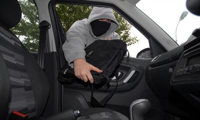 5 мошеннических схем для обмана водителей на дорогах (5 фото)