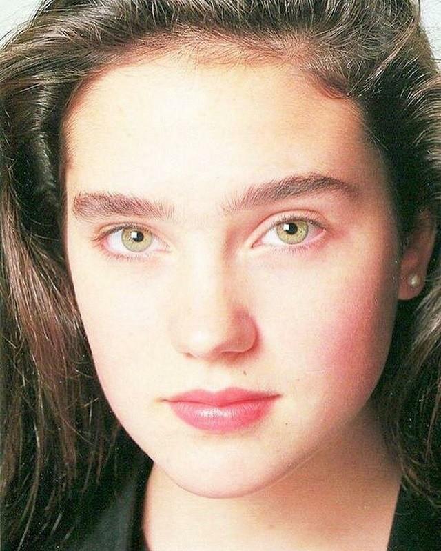 Подборка атмосферных фотографий знаменитостей из 90-х (22 фото)