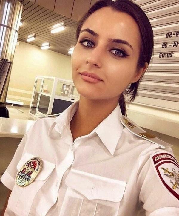Самые сексапильные сотрудницы полиции (20 фото)