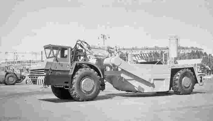 Зачем в СССР выпускали БелАз с одной осью (5 фото)