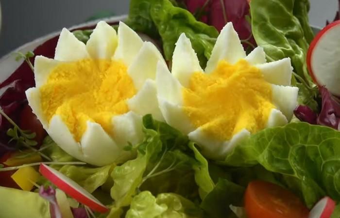 8 способов превратить куриное яйцо в изысканное блюдо (9 фото)