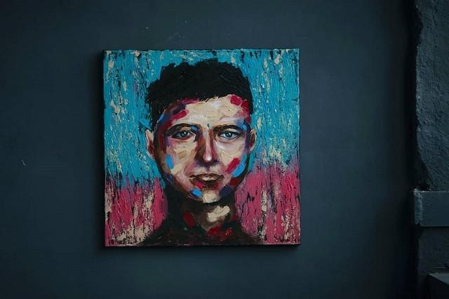 Студентка из Белоруссии зарабатывает на жизнь рисуя картины (6 фото)
