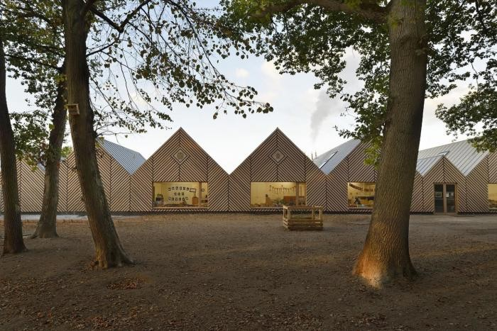 Эко-архитектура школы во Франции (17 фото)