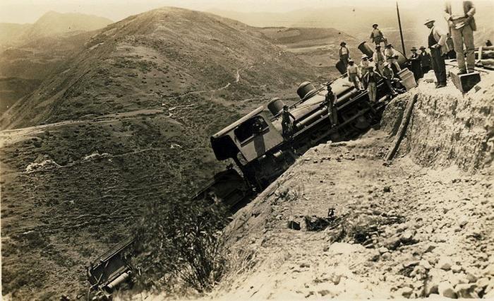 Железная дорога «Нос Дьявола» (15 фото)