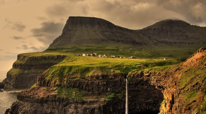 Поселения, надежно скрытые от внешнего мира (10 фото)