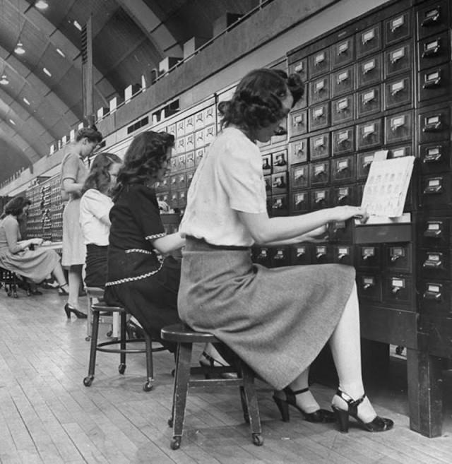 Картотека отпечатков пальцев ФБР двадцатого века (10 фото)