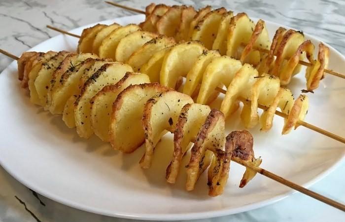 Как сделать картофельную спиральку (4 фото)