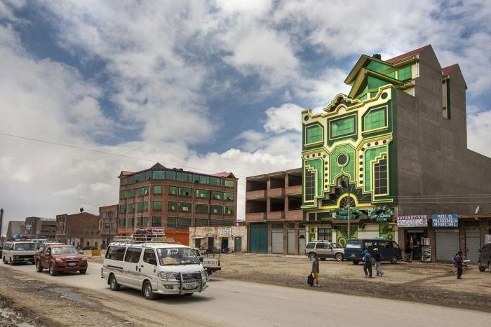 Инопланетная архитектура Боливии (12 фото)