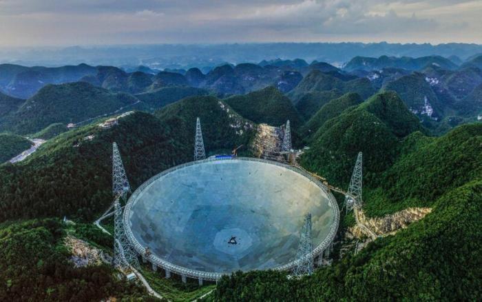 Китайским астрономам удалось записать радиосигналы из космоса (3 фото)