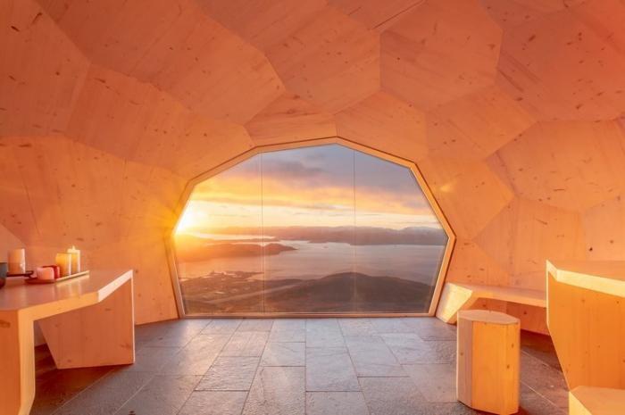 Хижина в горах Норвегии для отдыха туристов (19 фото)