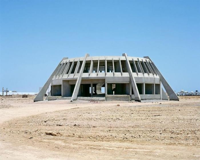 Заброшенные отели в египетской пустыне (20 фото)