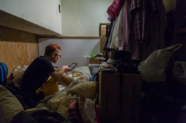В тесноте, да не в обиде: как живут малообеспеченные японцы (11 фото)