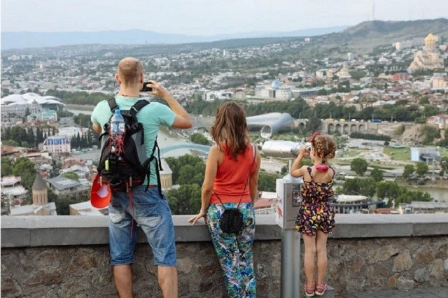 Опрос: самые желаемые страны для путешествий у россиян (2 фото)
