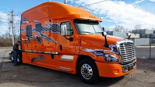 Эти грузовики — настоящий рай для дальнобойщика (10 фото)