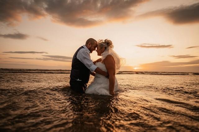 Британка испортила свадебное платье за тысячу фунтов (9 фото)