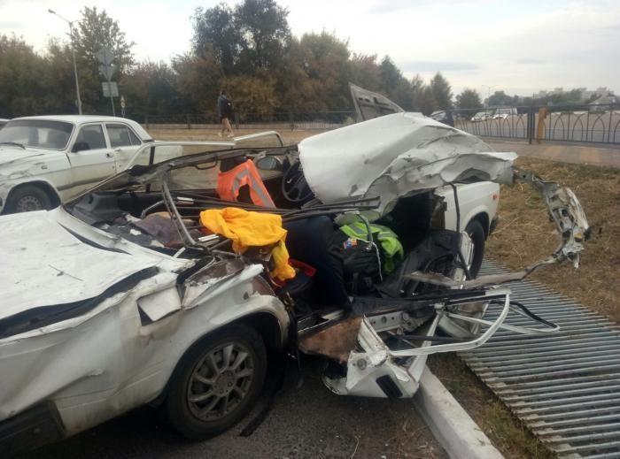 В Белгороде пьяный водитель перелетел через кольцо (2 фото)