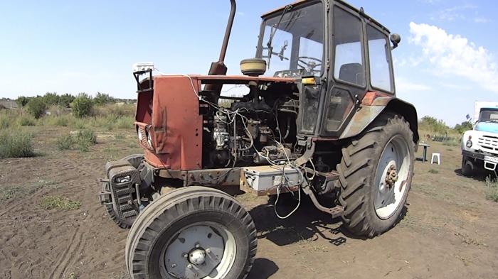 Сельские хакеры сделали комбайн-гибрид и трактор с автопилотом(4 фото)
