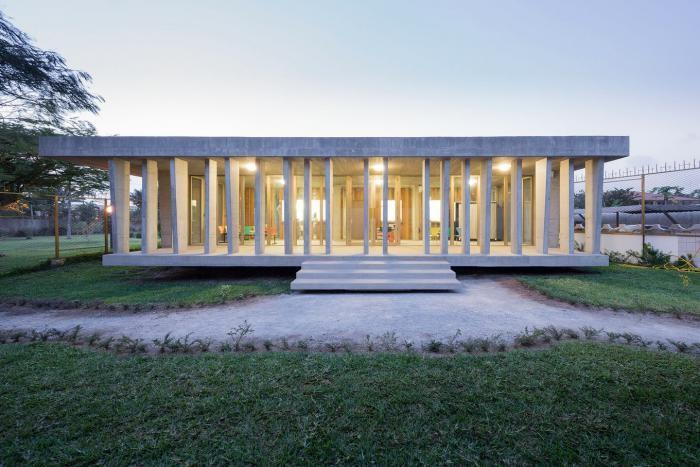 Архитектура посольства Швейцарии в Кот-д'Ивуар (13 фото)