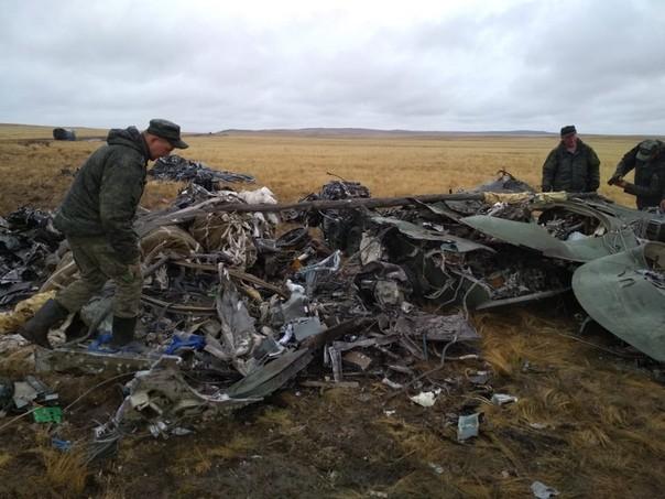 Фотографии разбившихся на учениях боевых машин ВДВ (8 фото)
