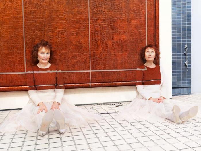 Фотограф одел людей, животных и фрукты в «вязаный камуфляж» (9 фото)