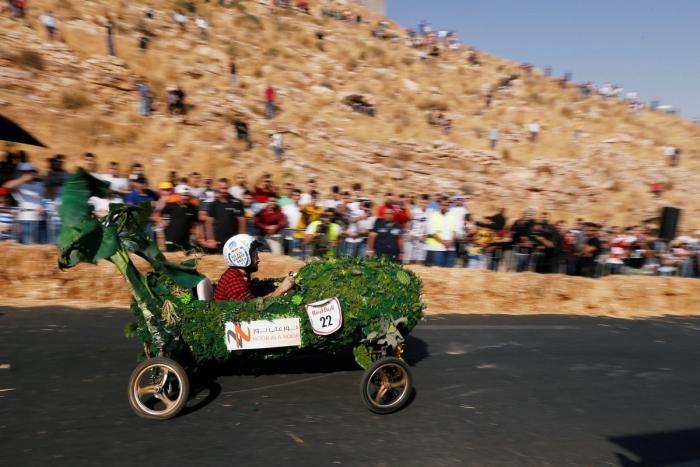 Как прошла гонка Red Bull Soapbox в Иордании (15 фото)