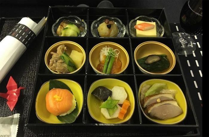 Еда на борту самолета в 15 авиакомпаниях (30 фото)