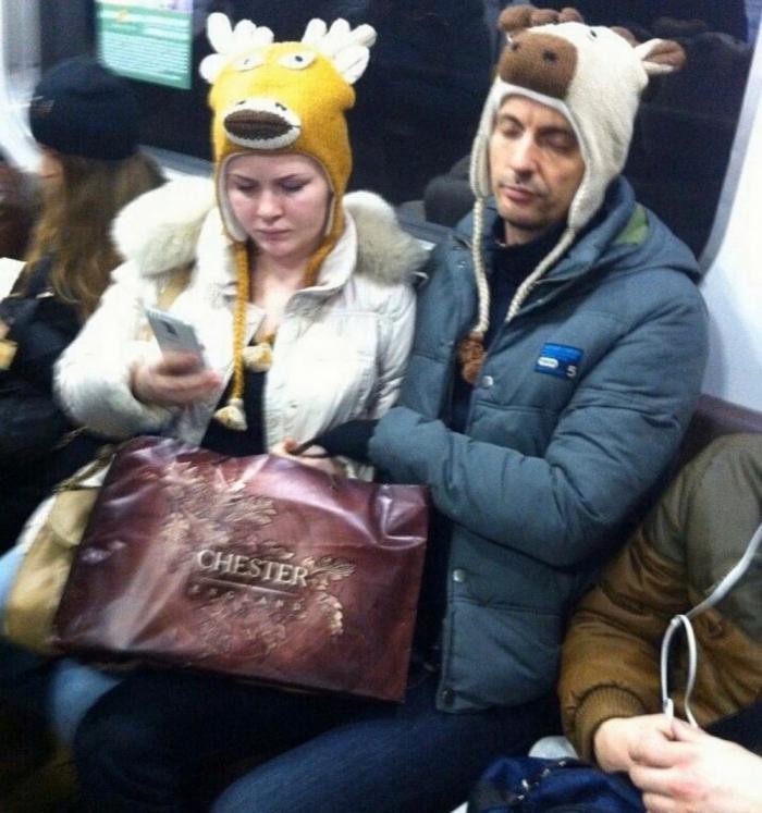 Беспощадная мода обитателей метрополитена (30 фото)