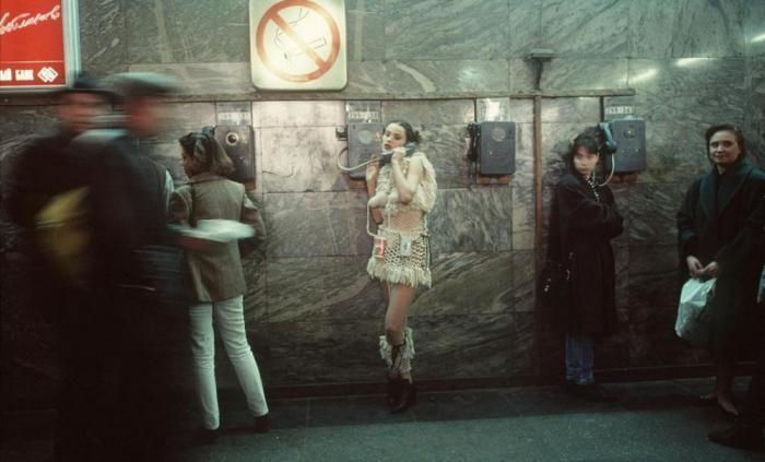 Лихие 90-е в России глазами французского фотографа (30 фото)
